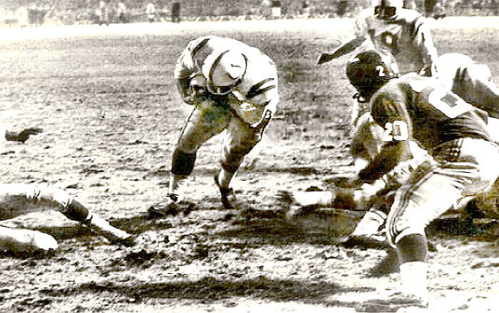 Colts Alan 'The Horse' Ameche scores winning TD in 1958 NFL Championship game