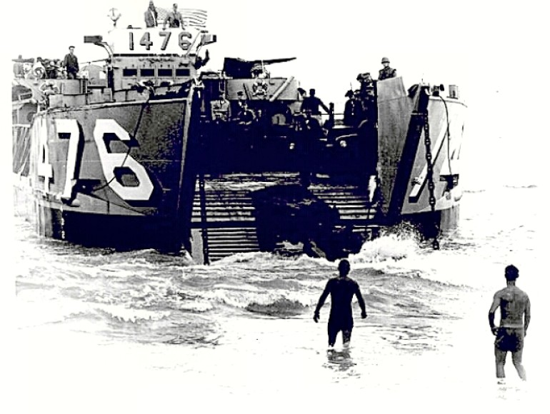 Danang - Marines landing in 1965