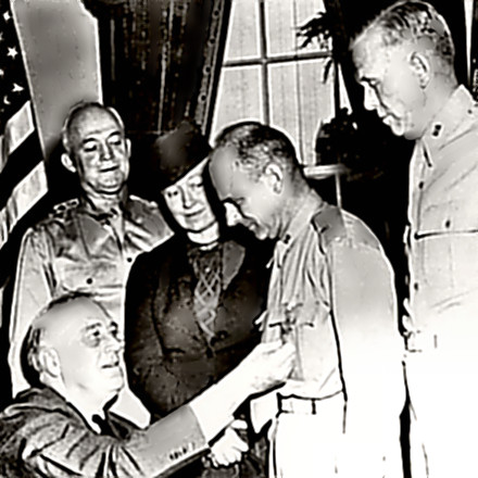 Doolittle receives MoH from FDR