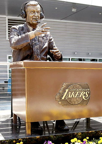 Chick Hearn statue at Staples