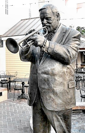 Musician Al Hirt's statue in the French Quarter