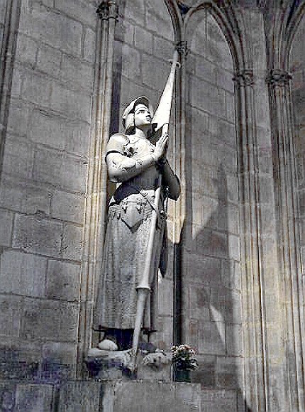 Notre Dame Cathedral - Statue of Joan of Arc