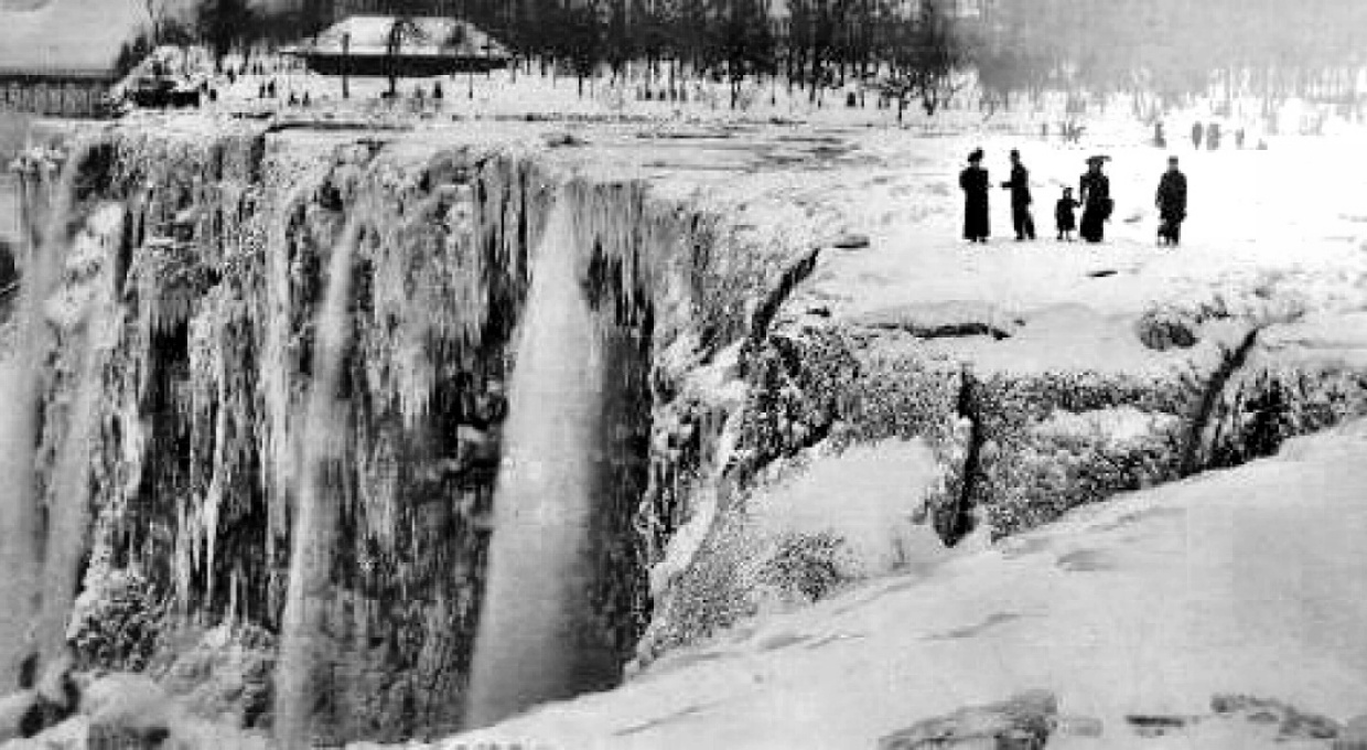 Niagra Falls at time of ice dam
