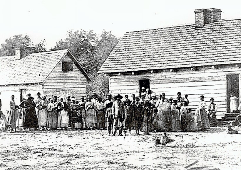 large group of slaves