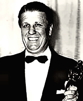 Director George Stevens with his Oscar