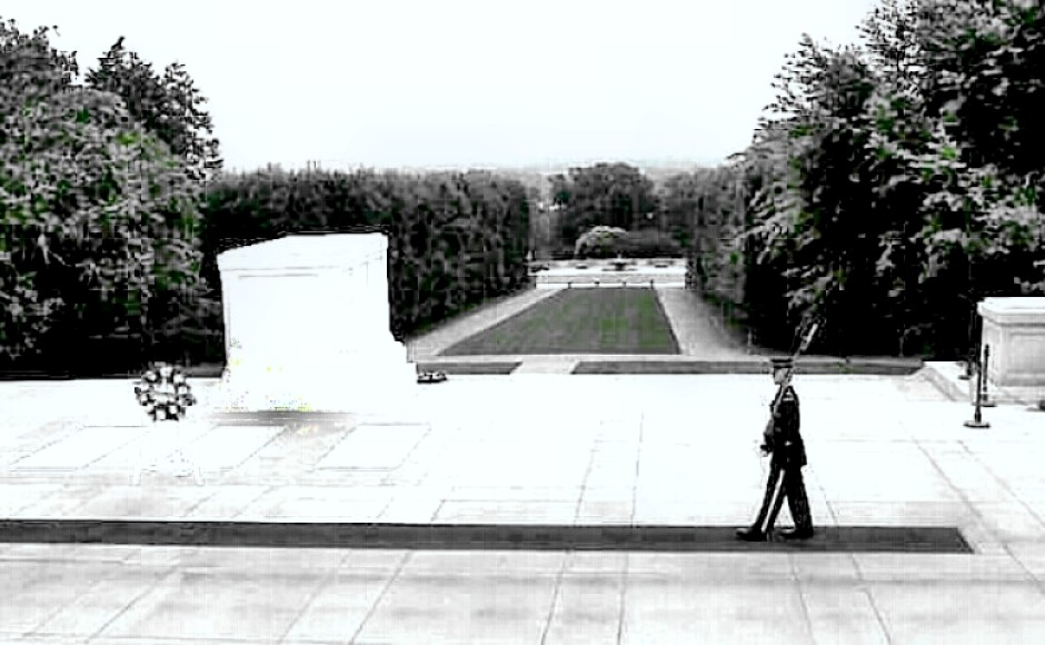 Tomb of the Unknowns - honor guard patrols