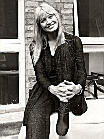 Singer Mary Travers